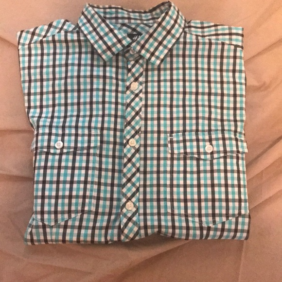 H&M Other - Short sleeve button down shirt